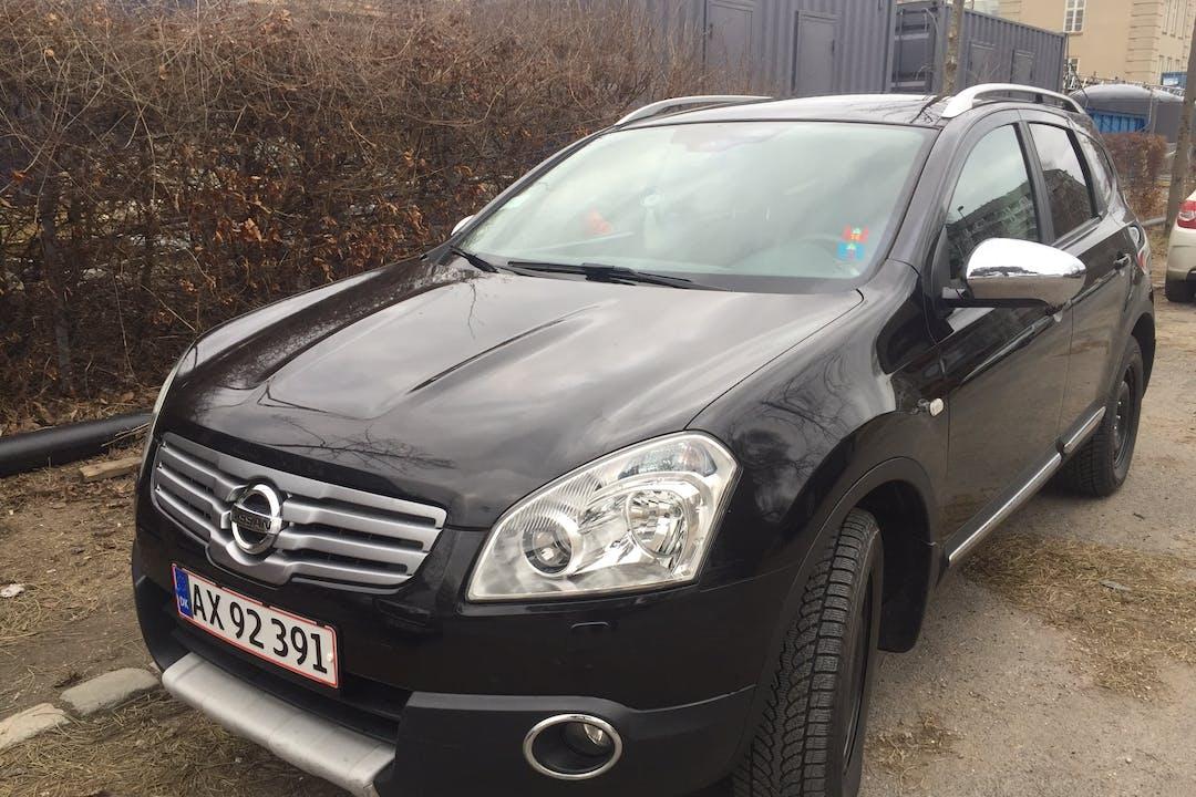 """Billig billeje af Nissan Qashqai+2 """"TEKNA"""" nær 2100 København."""
