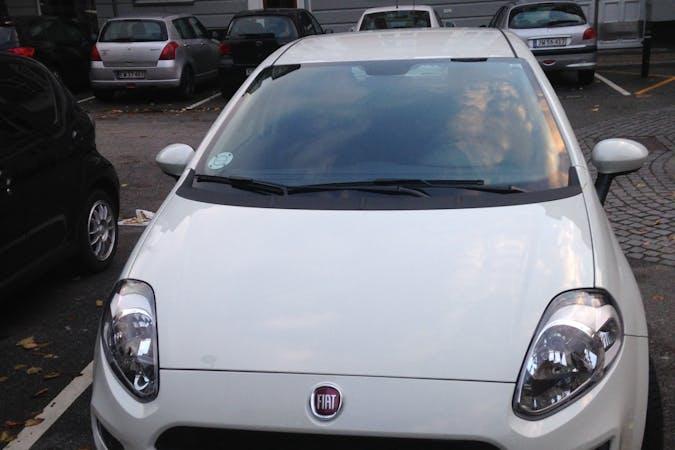 Billig billeje af Fiat Punto popstar nær 2000 Frederiksberg.