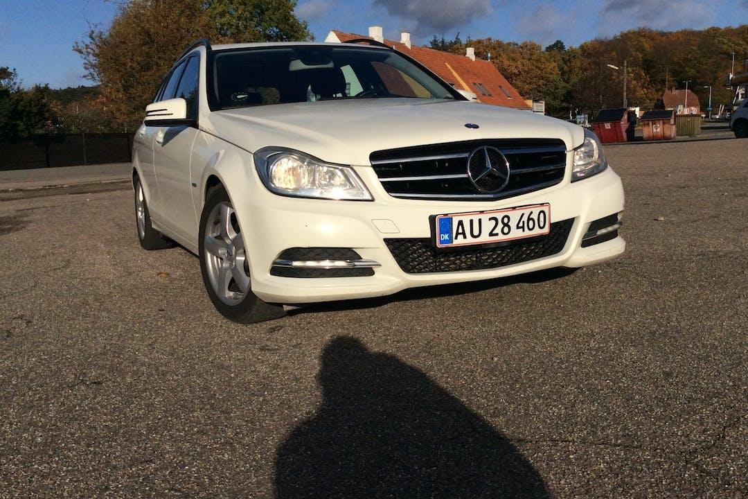 Billig billeje af Mercedes C200 nær 3300 Frederiksværk.