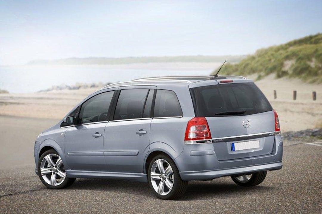 Alquiler barato de Opel Zafira 1.6 Essentia cerca de 20301 Irun.