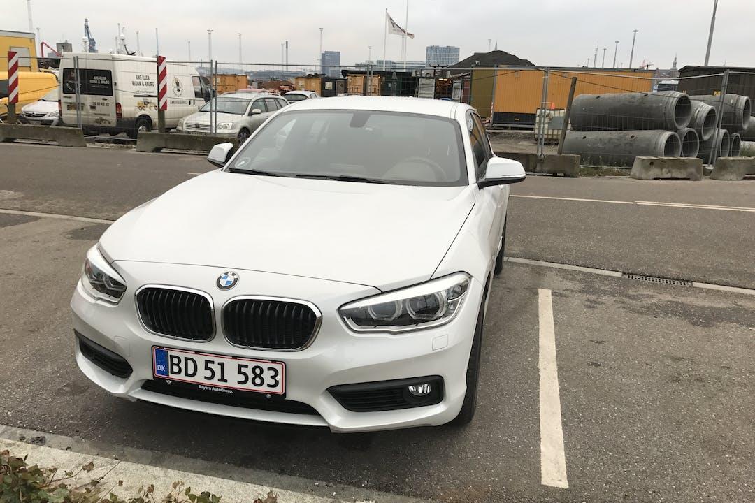 Billig billeje af BMW 118D 2.0 med GPS nær 6040 Egtved.
