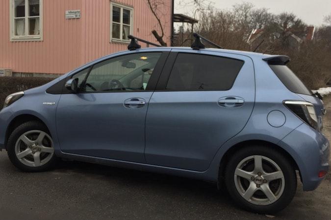 Billig biluthyrning av Toyota Yaris med CD-spelare i närheten av 123 48 Stockholm.