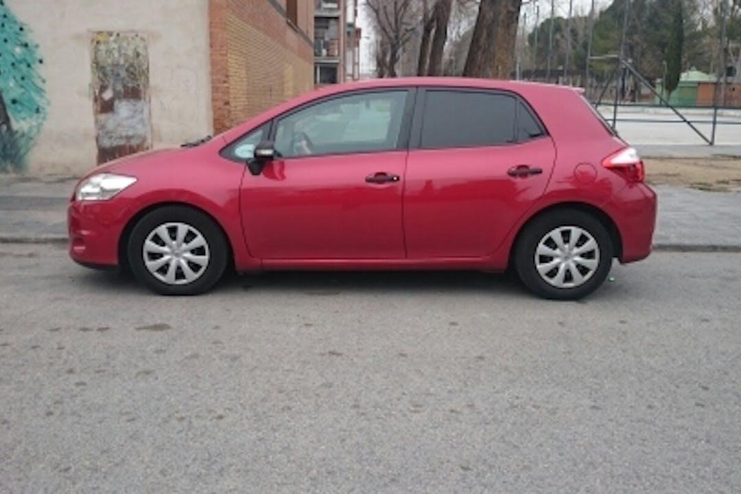 Alquiler barato de Toyota Auris Active 1.4 D-4d cerca de 28802 Alcalá de Henares.