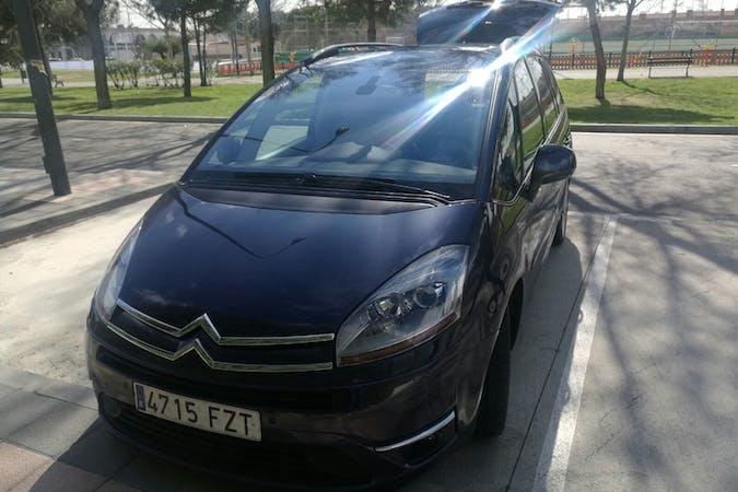 Alquiler barato de Citroen C4 Grand Picasso 2.0 Hdi Exclusive Cmp cerca de 28045 Madrid.