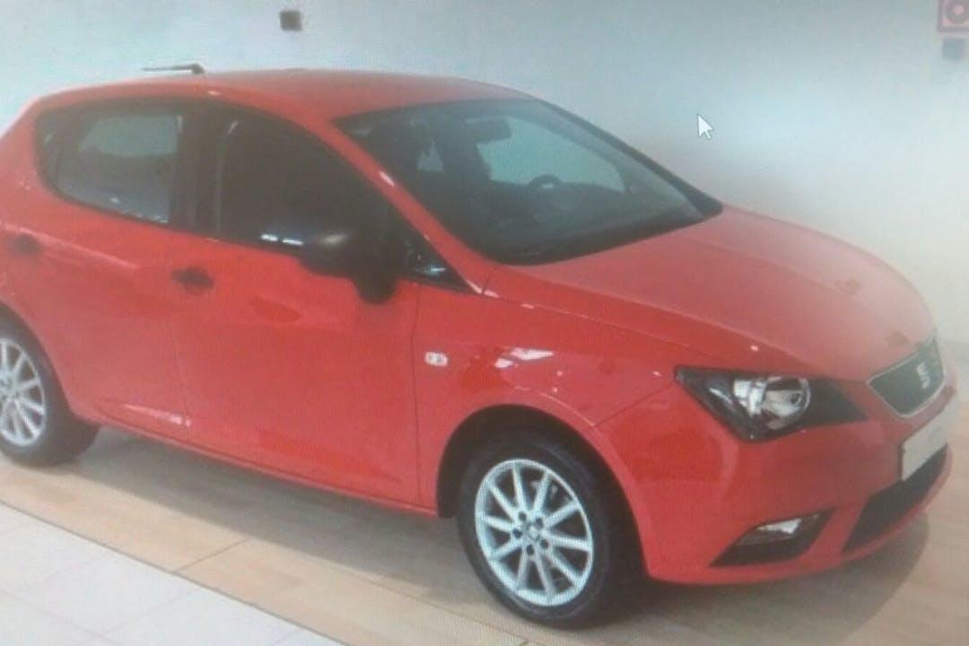Alquiler barato de Seat Ibiza Copa 1.6 Tdi con equipamiento GPS cerca de 28045 Madrid.