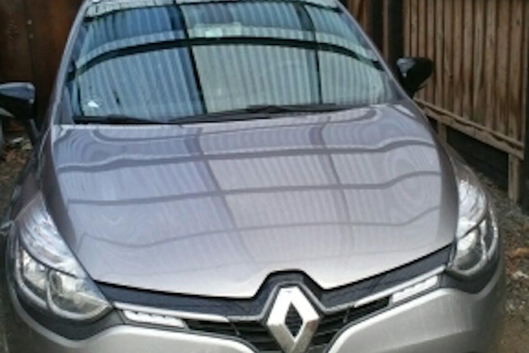 Billig billeje af Renault Clio St.car med GPS nær 4800 Nykøbing Falster.