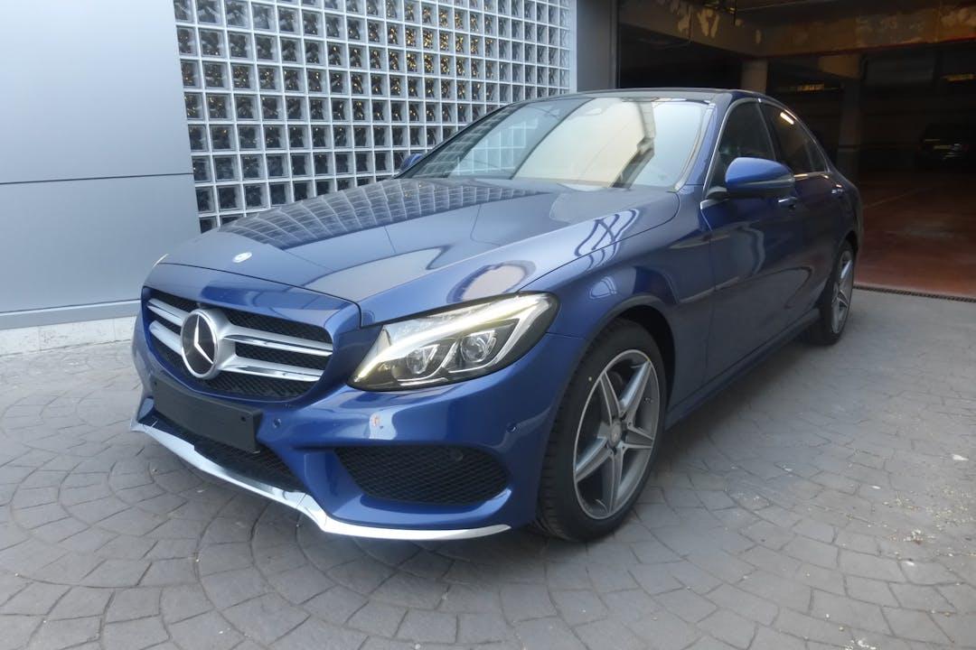 Alquiler barato de Mercedes C (205) cerca de 28031 Madrid.