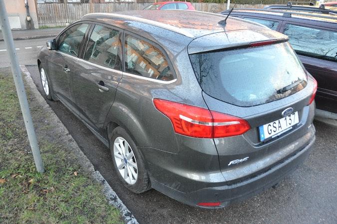 Billig biluthyrning av Ford Focus Titanium kombi med Bluetooth i närheten av 753 29 Uppsala.