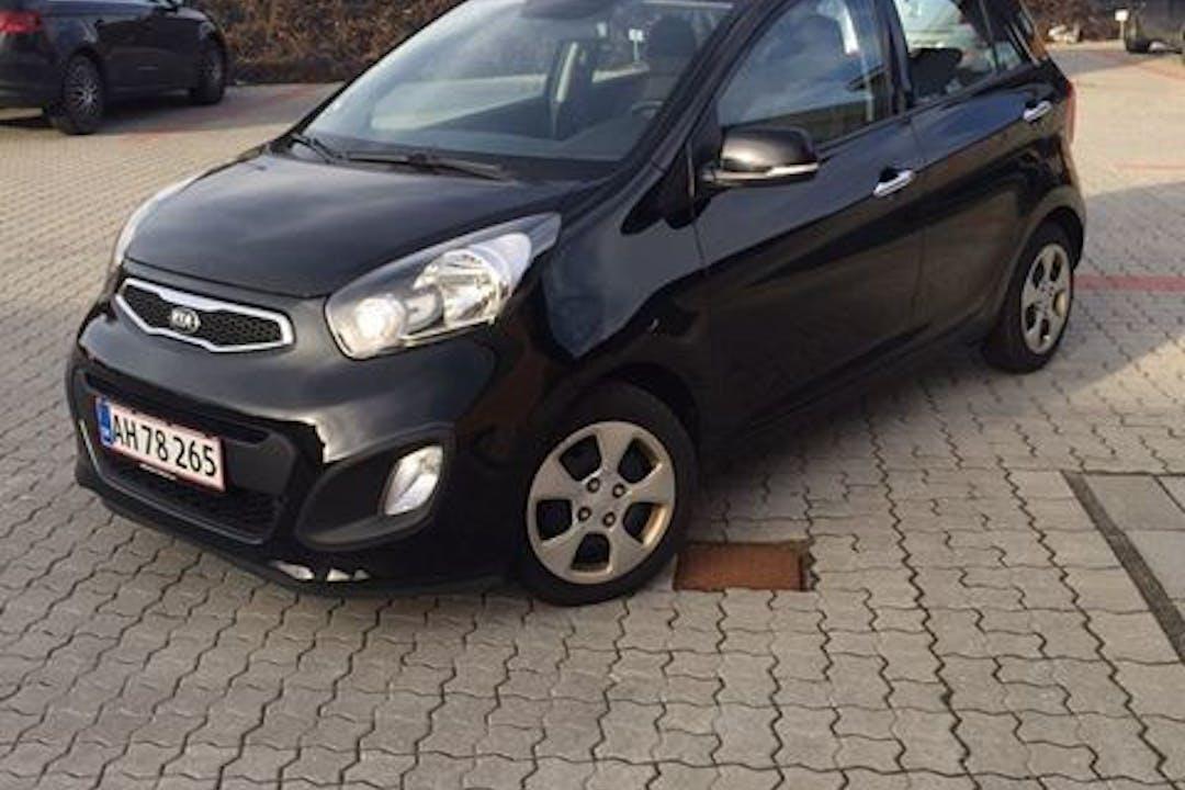 Billig billeje af Kia Picanto 1,0 Active Eco nær 8000 Aarhus.