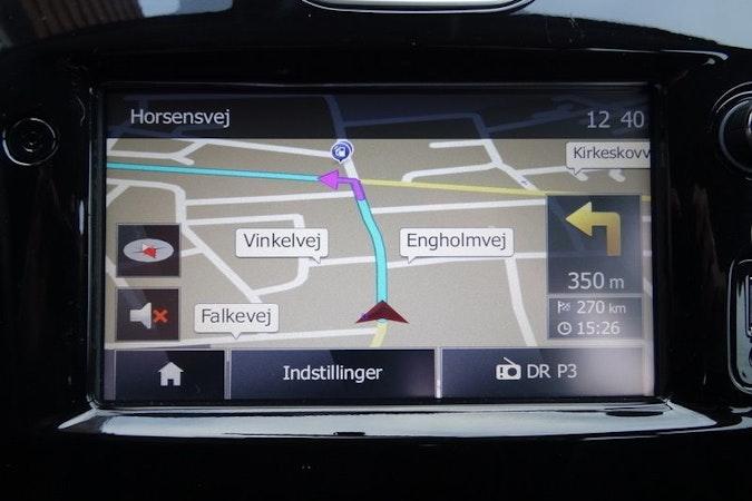 Billig billeje af Renault Clio 1,5 Diesel - Fri p-plads ved Nørreport med Elruder nær 8000 Aarhus.