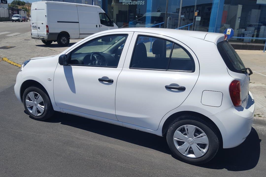 Alquiler barato de Nissan Micra cerca de 07010 Palma.
