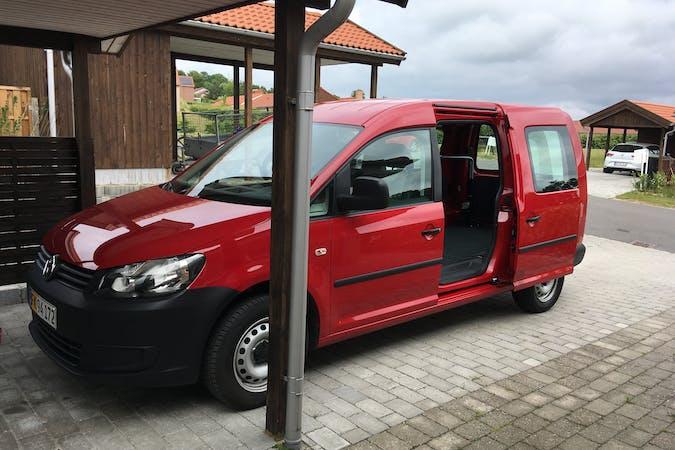 Billig billeje af VW Caddy Maxi Van nær 5380 Dalby.