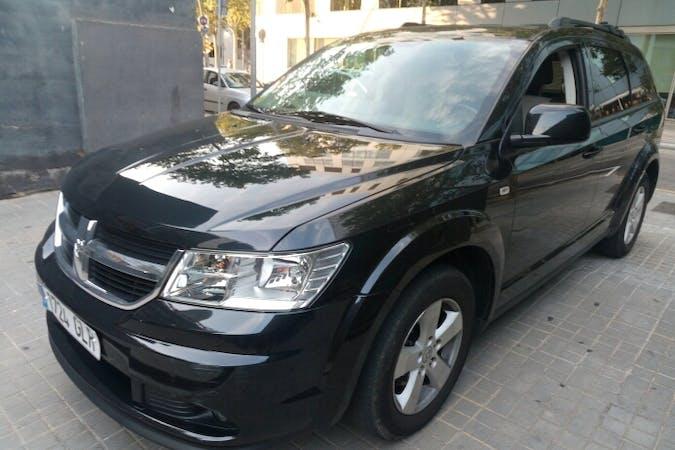Alquiler barato de Dodge Journey cerca de 08013 Barcelona.