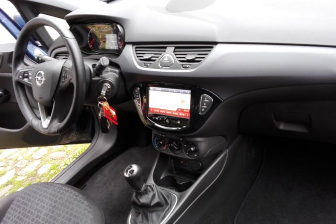 Billig billeje af Opel Corsa 1.0t med Isofix beslag nær 8600 Silkeborg.