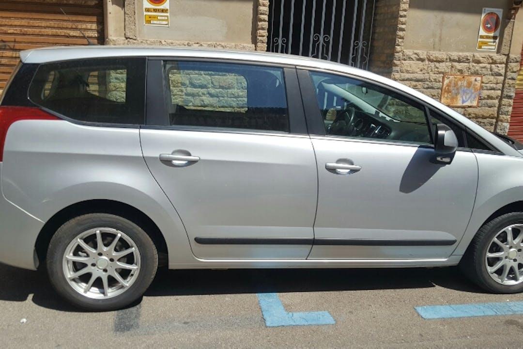 Alquiler barato de Peugeot 5008 Confort 1.6 Vti cerca de 07010 Palma.