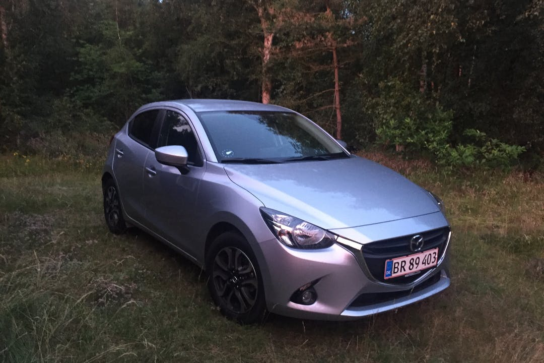 Billig billeje af Mazda 2 med GPS nær 2300 København.