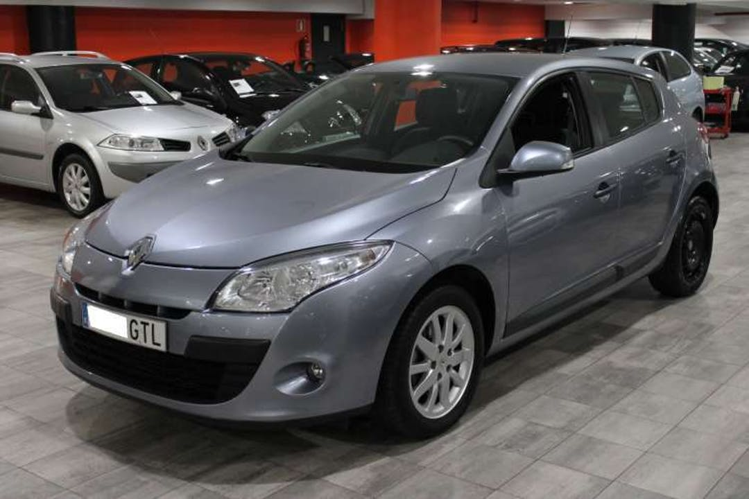 Alquiler barato de Renault Megane Authentique 1.5dci 85 cerca de 28053 Madrid.