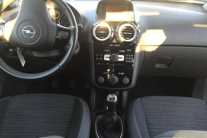 Alquiler barato de Opel Corsa 1.2 85 Expression S/S cerca de 28012 Madrid.
