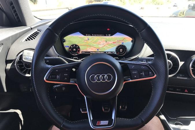 Alquiler barato de Audi Tt 2.0 Tdi S-Line Edition con equipamiento Lector CD cerca de 46015 València.