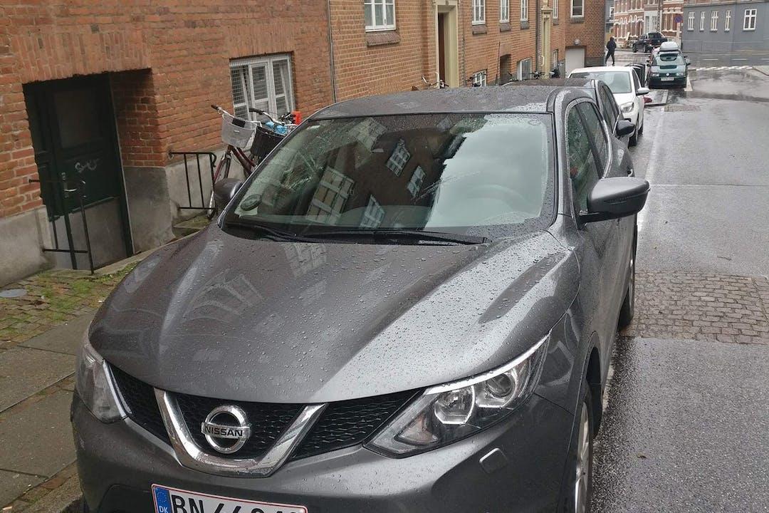 Billig billeje af Nissan Qashqai DCI 110 nær 8000 Aarhus.