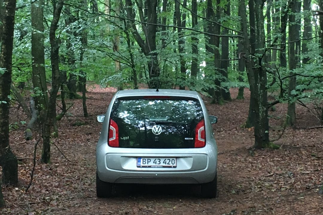 Billig billeje af VW UP 60 HK med GPS nær 1424 København.