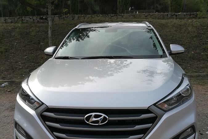 Alquiler barato de Hyundai Tucson 1.7crdi Bd Klass Nav 4x2 con equipamiento Control de velocidad cerca de 46010 València.