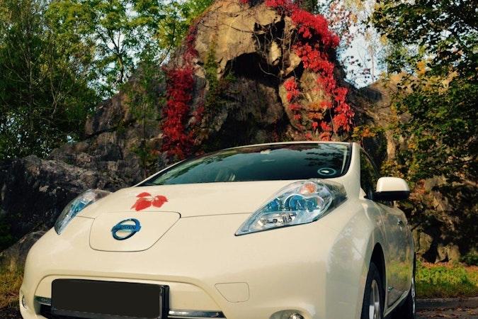 Billig leie av Nissan Leaf med GPS nærheten av 0198 Oslo.