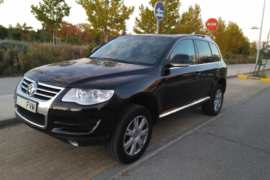 Alquiler barato de Volkswagen Touareg R5 Tdi cerca de 28042 Madrid.
