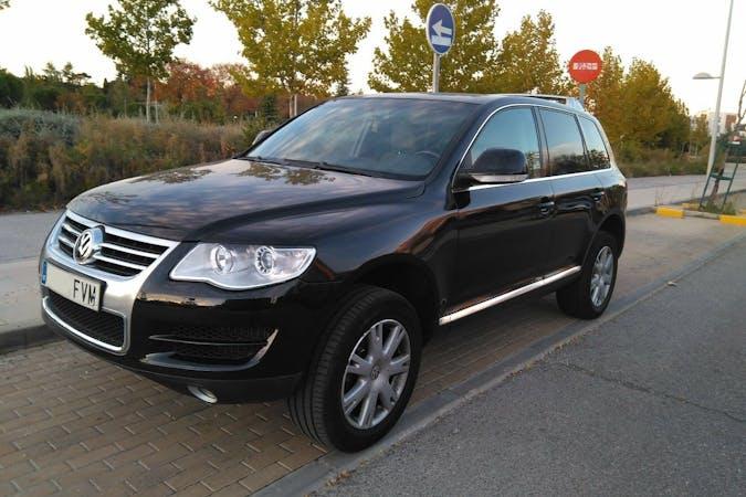 Alquiler barato de Volkswagen Touareg R5 Tdi con equipamiento GPS cerca de 28042 Madrid.