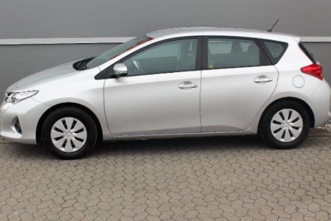 Billig billeje af Toyota auris 1.3 nær 2900 Hellerup.