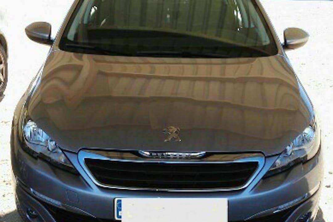 Alquiler barato de Peugeot 308 con equipamiento Bluetooth cerca de 02005 Albacete.