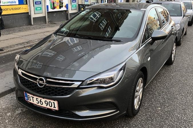 Billig billeje af Opel Astra 1,4 Turbo med Barnesæde nær 2100 København.