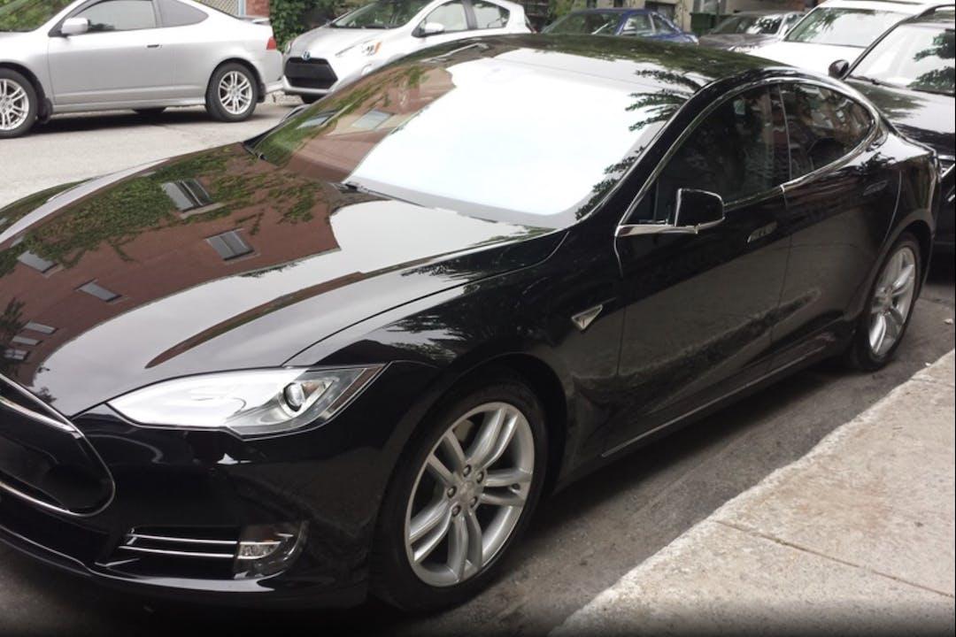 Billig billeje af Tesla Model S 70 nær 2800 Kongens Lyngby.