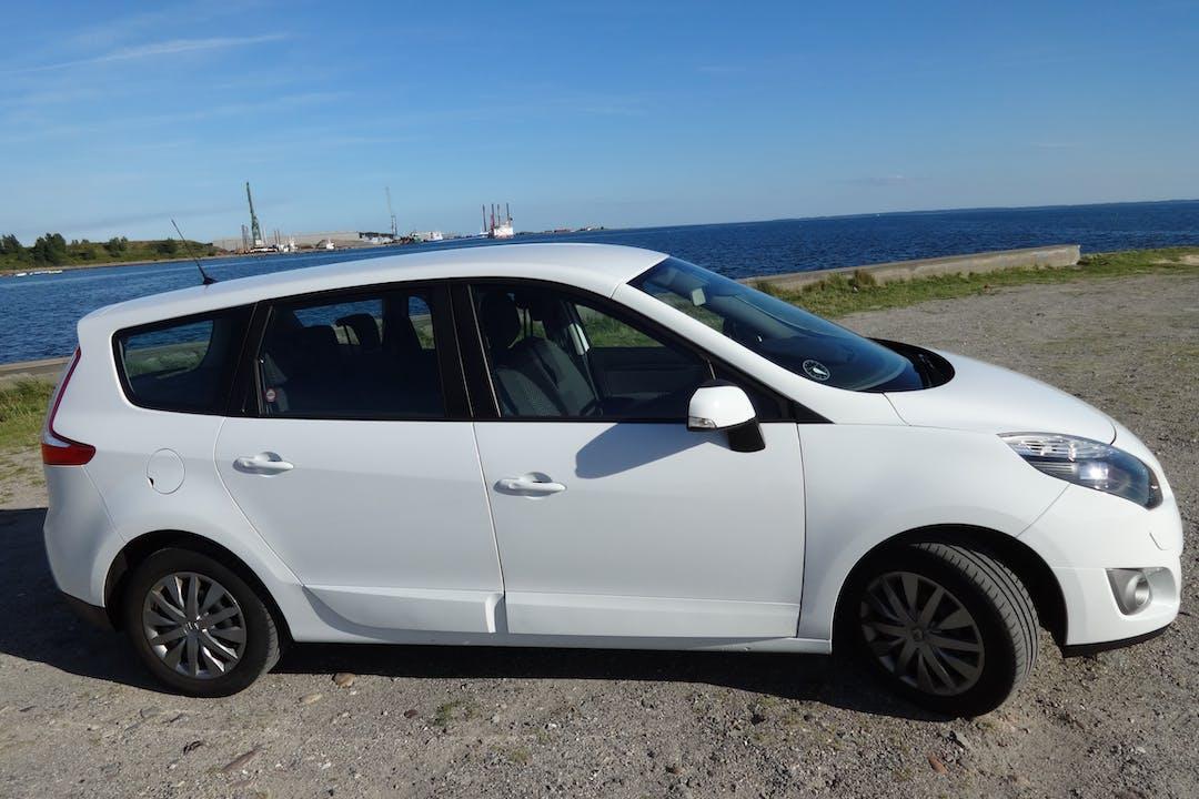Billig billeje af Renault Gran Scienic 7 sæder nær 5800 Nyborg.