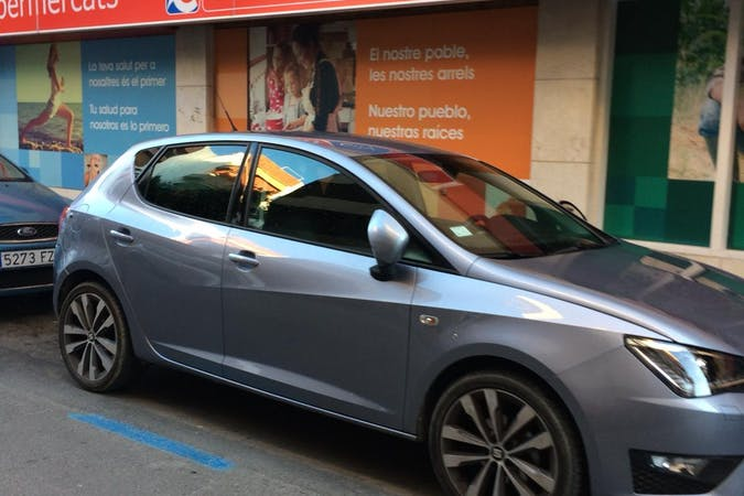 Alquiler barato de Seat Ibiza Fr 1.2 90 S&S cerca de 07800 Eivissa.