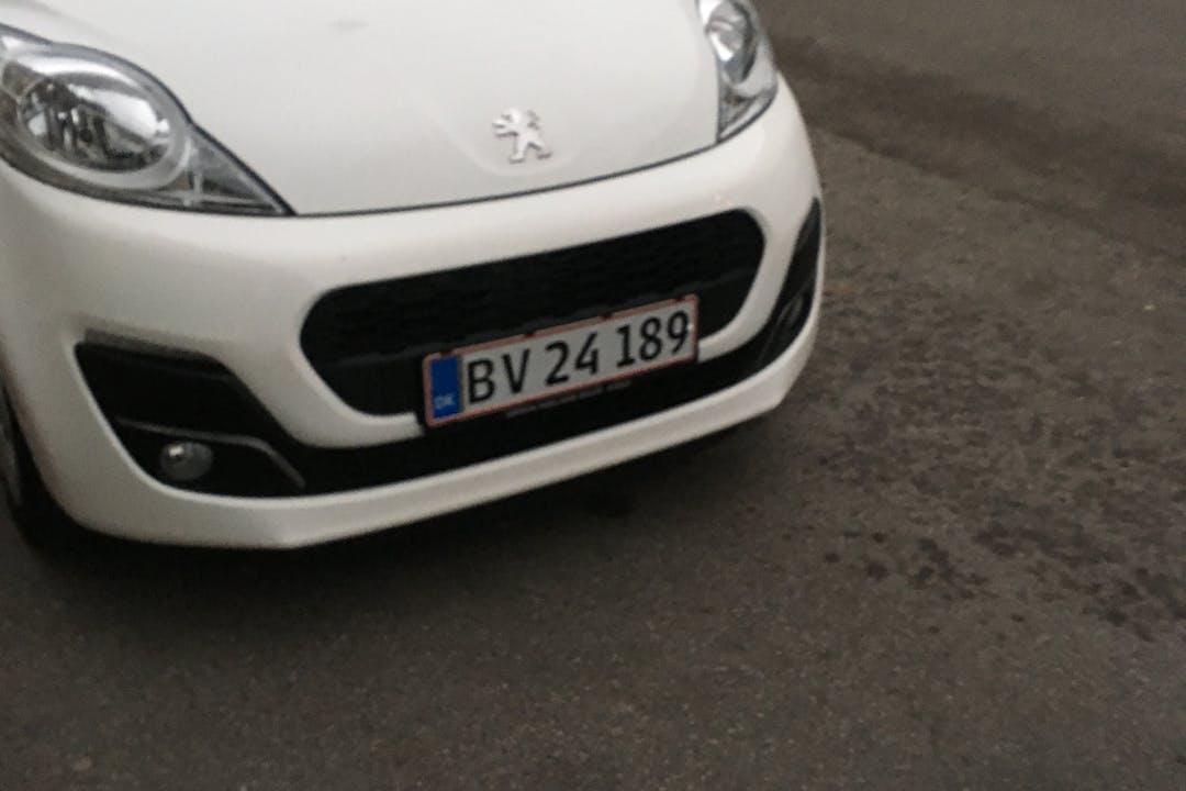 Billig billeje af Peugeot 107 nær 2400 København.