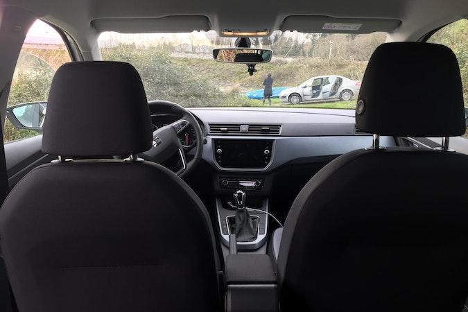 Alquiler barato de Seat Arona 1.6 Tdi 95 S&S Refere Pls cerca de 33010 Oviedo.
