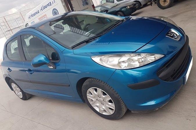 Alquiler barato de Peugeot 207 Confort 1.4 75 cerca de 07703 Maó.
