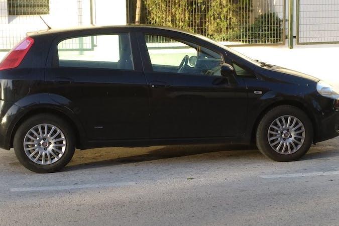 Alquiler barato de Fiat Punto Grande 1.3 Mjt Active 90 con equipamiento Fijaciones Isofix cerca de 11500 El Puerto de Santa María.