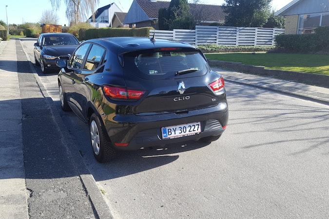 Billig billeje af Renault Clio med Barnesæde nær 8700 Horsens.