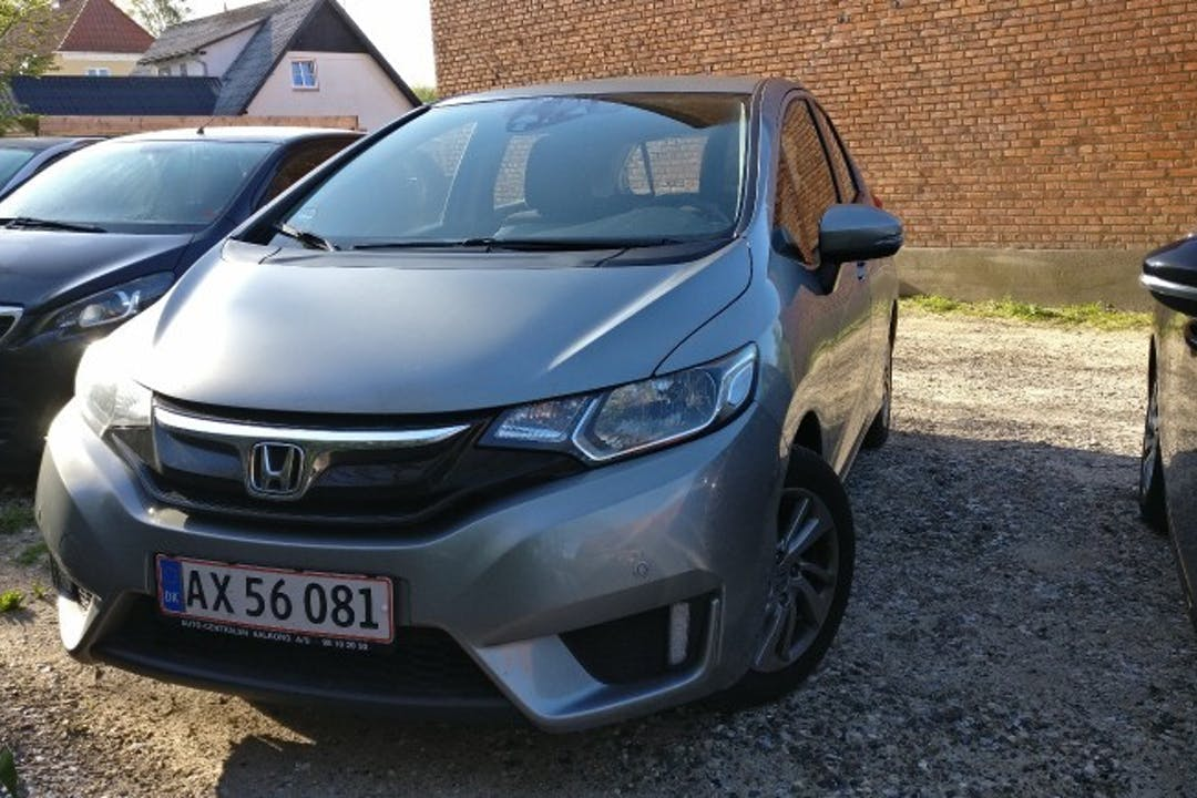 Billig billeje af Honda Jazz  Comfort 1.3 med Isofix beslag nær 9000 Aalborg.