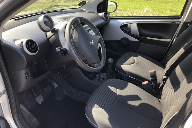 Billig billeje af Peugeot 107  nær 2450 København.