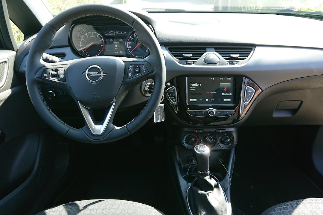 Billig billeje af Opel Corsa 1,4 EcoTec 90 HK S/S Enjoy nær 2820 Gentofte.