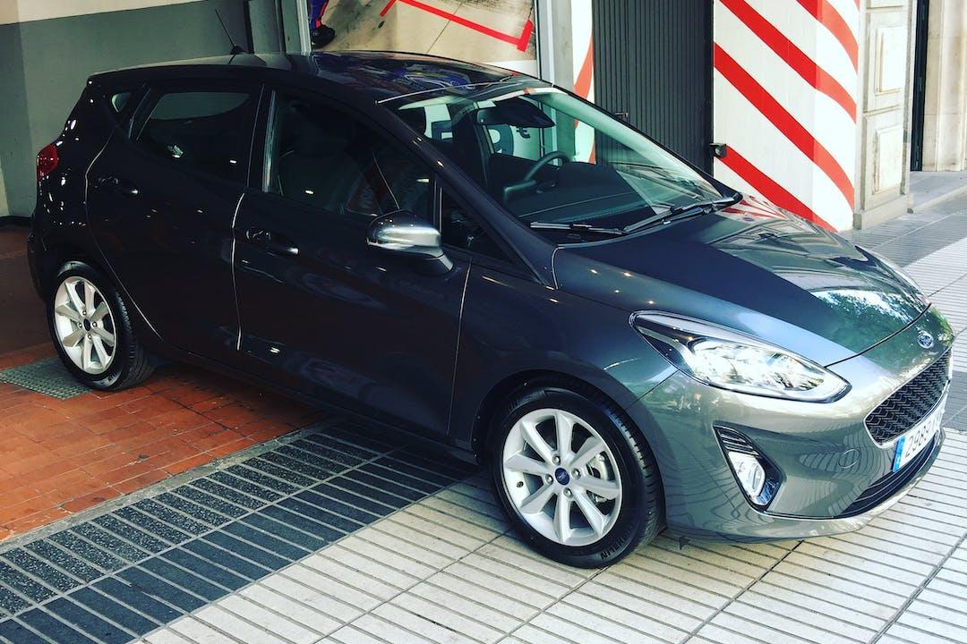 Alquiler barato de Ford Fiesta cerca de 28027 Madrid.