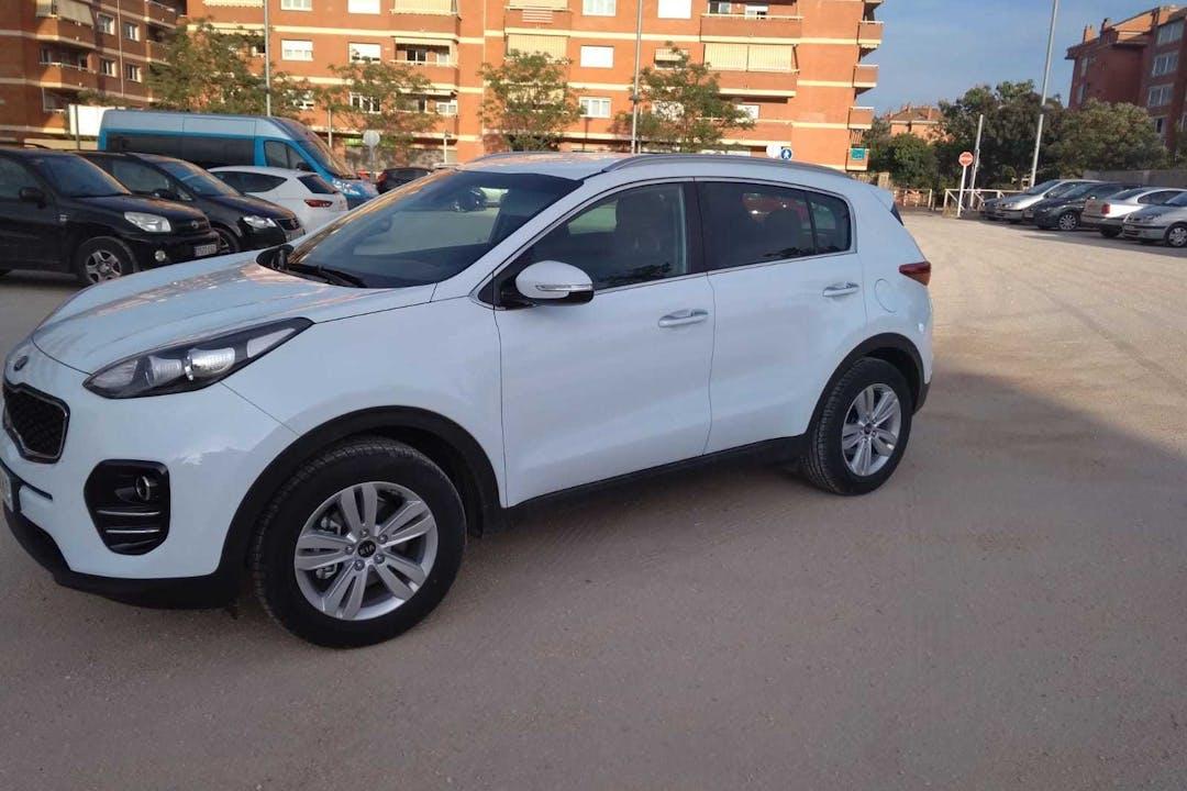 Alquiler barato de Kia Sportage 1.7 Crdi Vgt E-D Drive con equipamiento GPS cerca de 08700 Igualada.