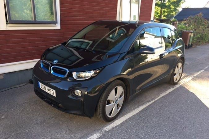 Billig biluthyrning av BMW i3 med Bluetooth i närheten av 711 31 Lindesberg.