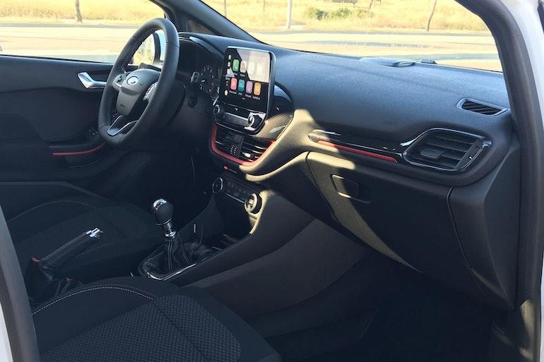 Alquiler barato de Ford Fiesta 1.0 Ecoboost 100 S/S St-L cerca de 28012 Madrid.