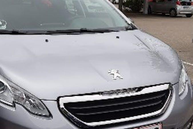 Billig billeje af Peugeot 2008 med GPS nær 2970 Hørsholm.