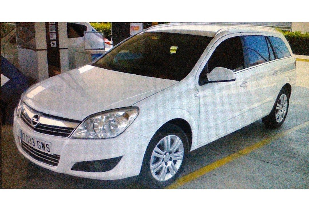 Alquiler barato de Opel Astra 1.9 Cdti Edition 120 cerca de 29004 Málaga.