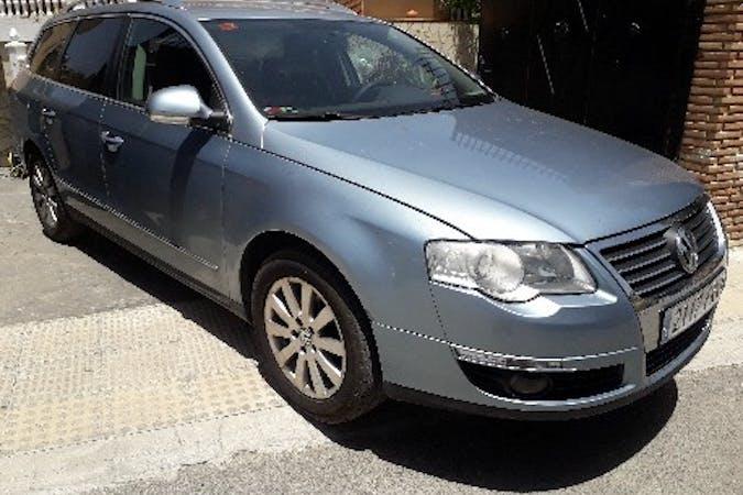 Alquiler barato de Volkswagen Passat 2.0tdi Advance con equipamiento GPS cerca de 18003 Granada.